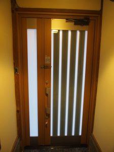 玄関ドアリフォーム完成室内側