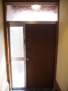 玄関ドア室内側